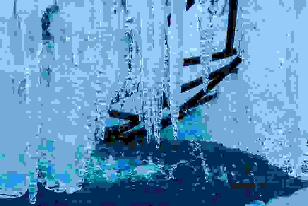 Blaue Eishöhle